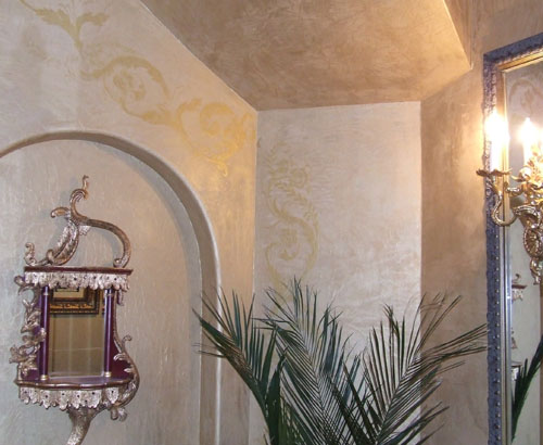 Metallic Plaster with embossed scroll